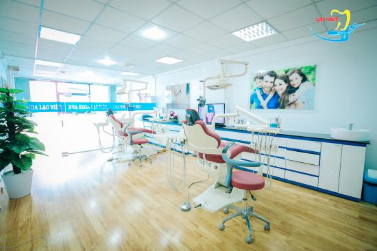 Nha khoa Lạc Việt đầu tư rất nhiều máy móc nên có thể điều trị cùng lúc cho nhiều bệnh nhân