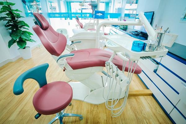 khuyến mại cấy ghép implant