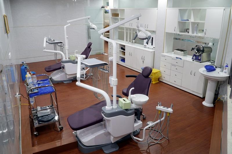 trồng răng implant.