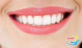 """Thắc mắc: """"Việc lấy cao răng và tẩy trắng có thể làm một lần"""""""